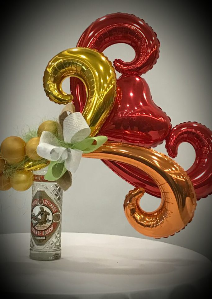 botella decorada con globos